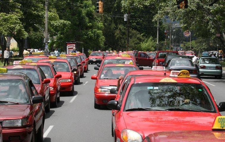 Taxistas protestarán este miércoles contra ingreso de Uber a Costa Rica