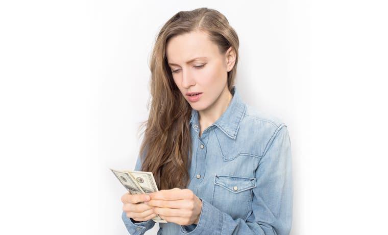 Administración del tipo de cambio ataca crédito en dólares