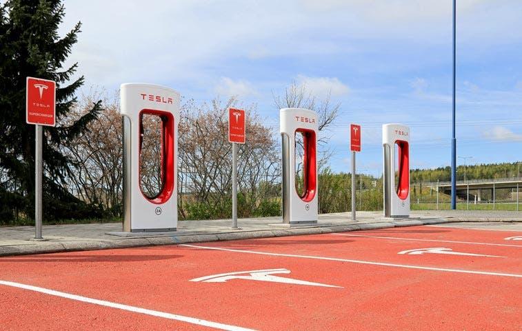 Baterías al estilo Tesla salvarían el decadente mercado solar europeo