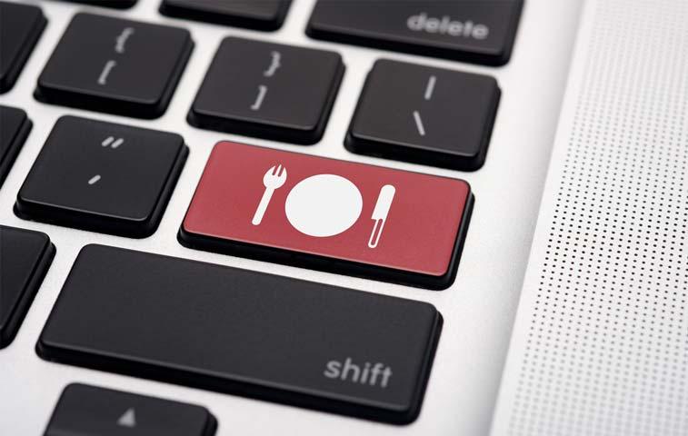 Aumentan restaurantes que utilizan servicio en línea de comida para llevar