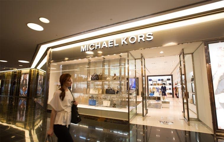 Acciones de Michael Kors se negocian a precios de liquidación
