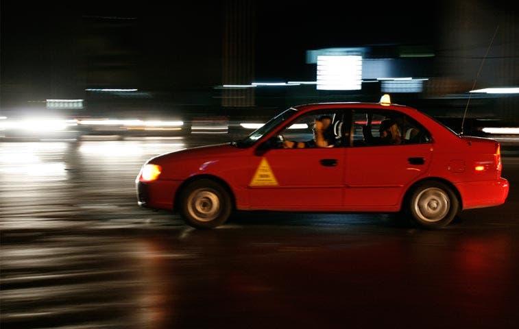 Defensoría solicita a Aresep no unificar tarifas de taxis