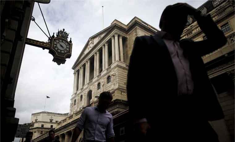 Inglaterra con baja inflación y sin impulso a tasas de interés
