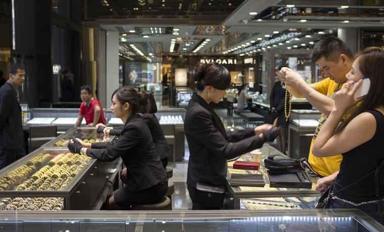 Caída del oro les cuesta a Rusia y a China millones en solo semanas