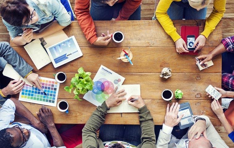 Estudiantes de Diseño apoyaron a 35 emprendedores de Osa
