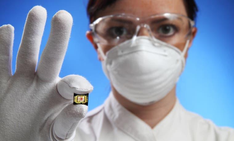 Implantes de microchips llegan a oficina