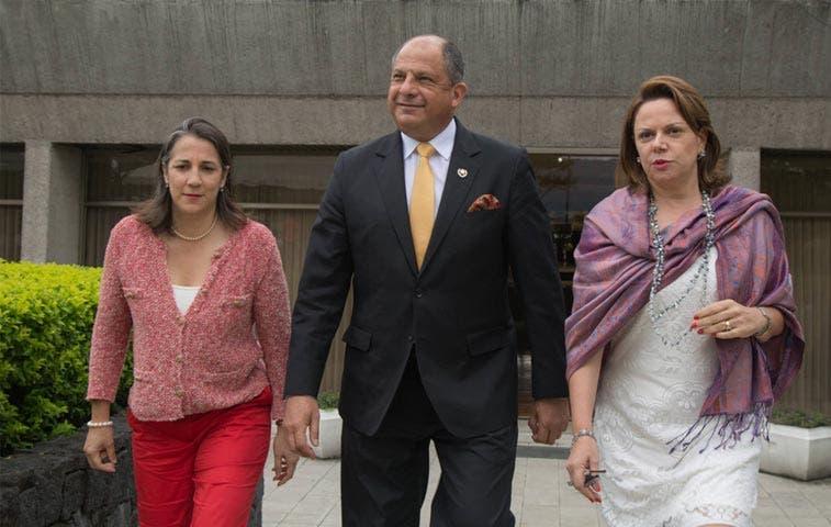 Crece presión para que Solís visite Puntarenas