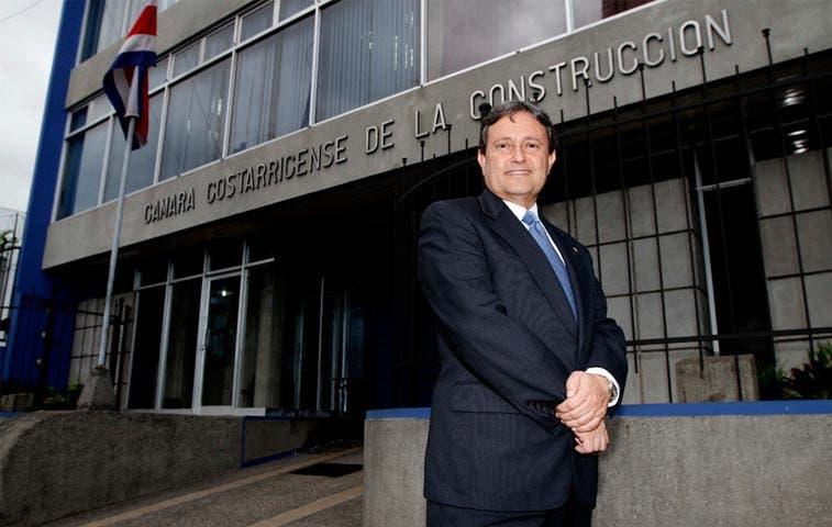 Sector construcción solicita a Solís revisar gasto público