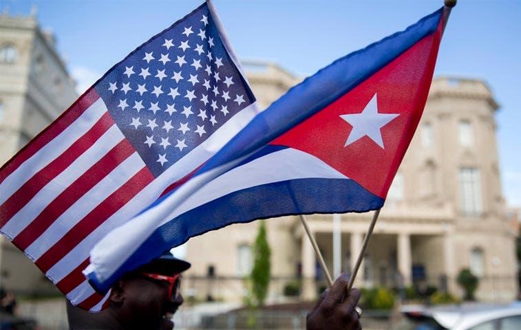Bandera de EE.UU. ondea en La Habana