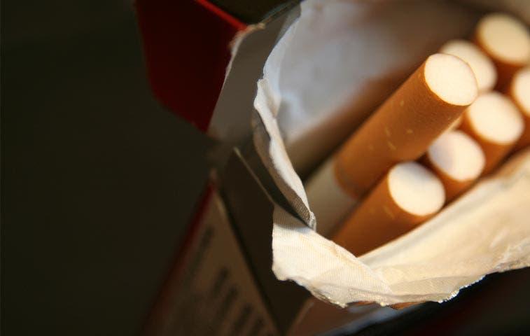 Industriales presionan venta de cajetillas de diez cigarrillos