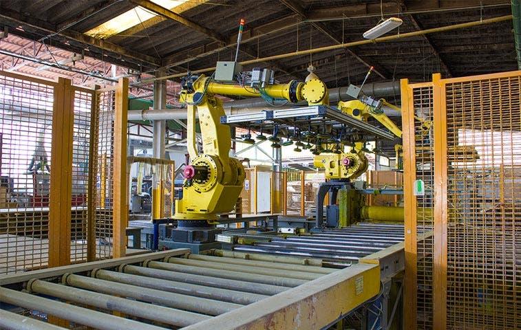 Plycem invierte $6,5 millones en robots para producción