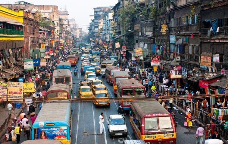 Popularidad de Uber en la India dispara venta de vehículos