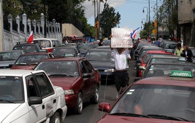 """Fuerza Pública no permitirá """"bloqueos"""" en masiva protesta de mañana"""
