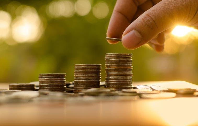 ¿Quién sale ganando con la enorme liquidación de monedas?