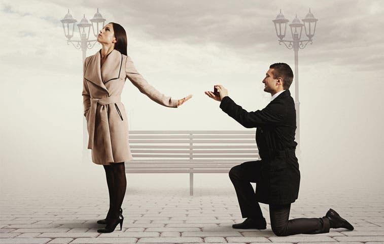 Mujeres esperan para casarse
