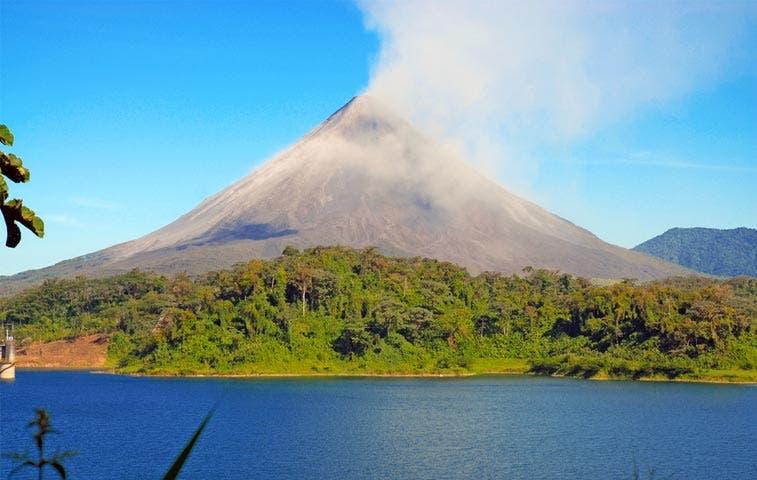Turismo en Volcán Arenal se amolda a personas con discapacidad