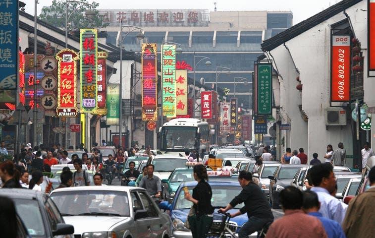 Mundo espera que China repare interrupción del circuito que provocó