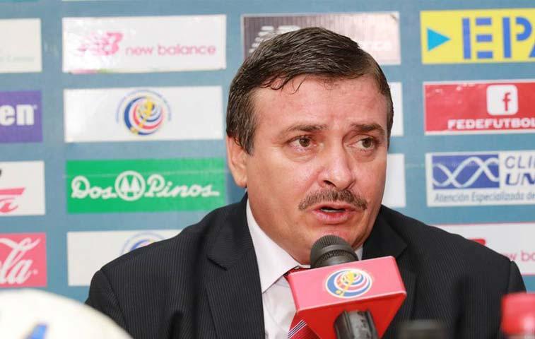 Alejandro Larrea será el nuevo asistente de Óscar Ramírez