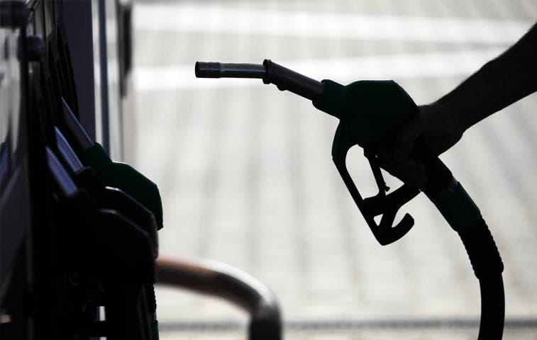 Proponen cambiar cálculo de precio de gasolina
