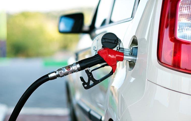 Combustibles bajarán hasta ¢44