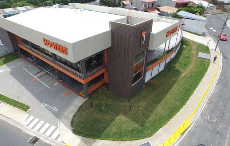 Hooters abrirá cuatro locales más en la GAM