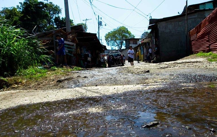 Centroamérica reduce poco la pobreza