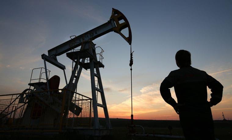 Torres petroleras ambulantes impulsan la perforación
