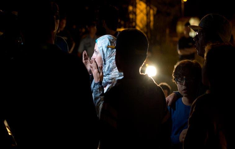 Miles de refugiados pasan la noche junto a la estación de Budapest