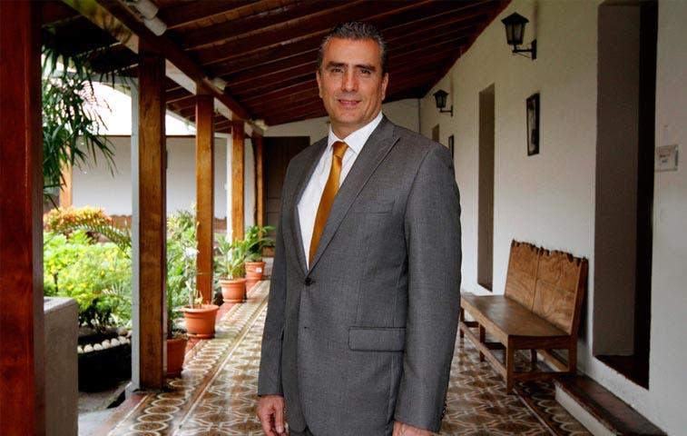 Otto Guevara pide a diputados detener proyecto de Incofer