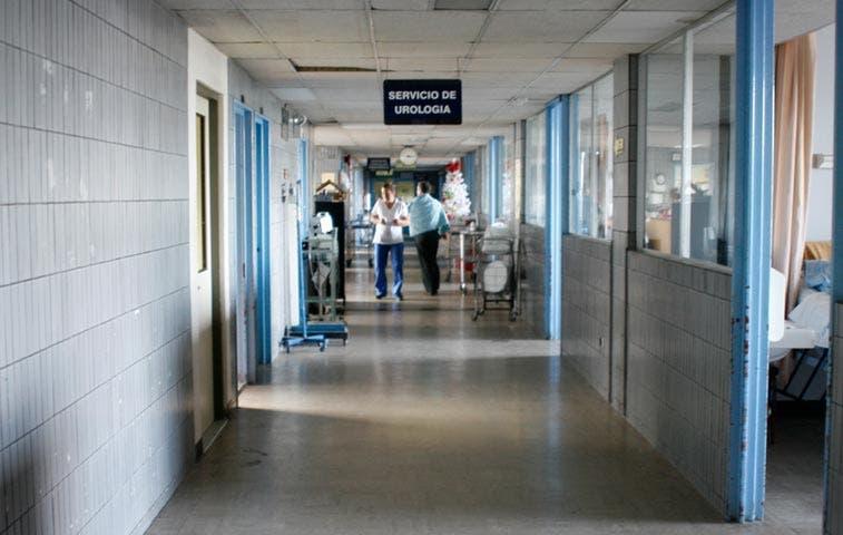 Solicitan cabezas de jerarcas de Caja y Hospital México