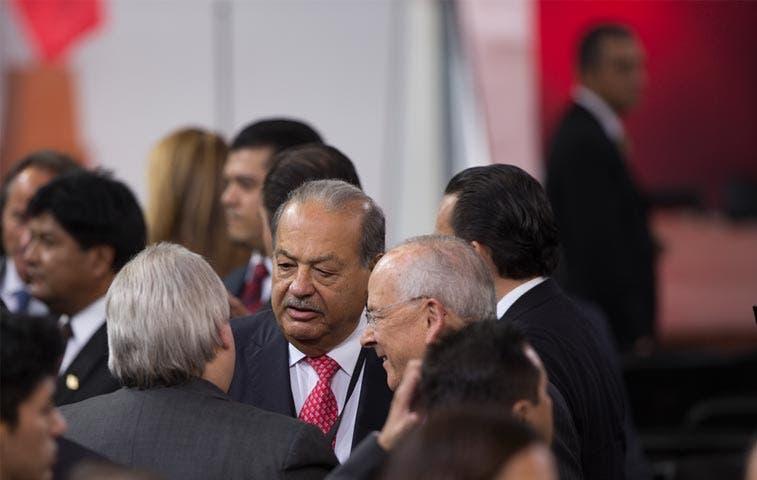 Limitaciones al multimillonario Slim no mantendrán baja la inflación mexicana