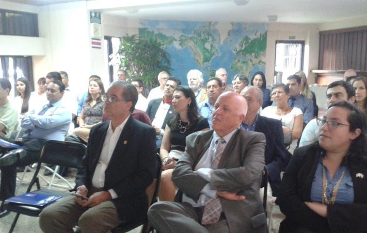 Empresarios costarricenses preparan intercambio comercial con Israel para 2016
