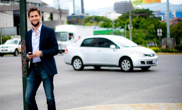 Planes de Uber avanzan en medio de la ilegalidad