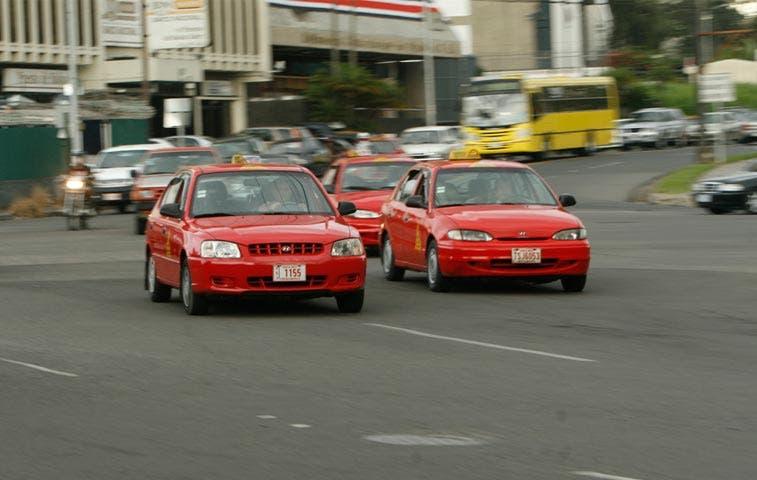 Easy Taxi celebra la independencia en Instagram