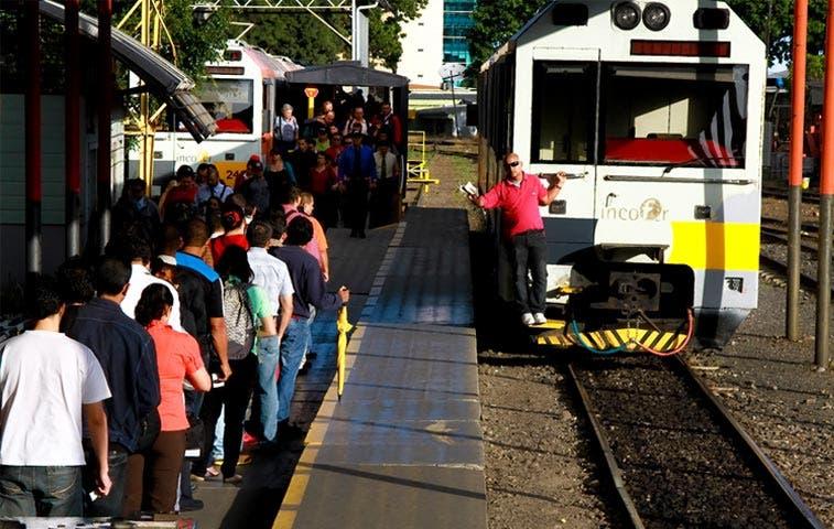 Incofer suspende servicio de trenes por festejo nacional