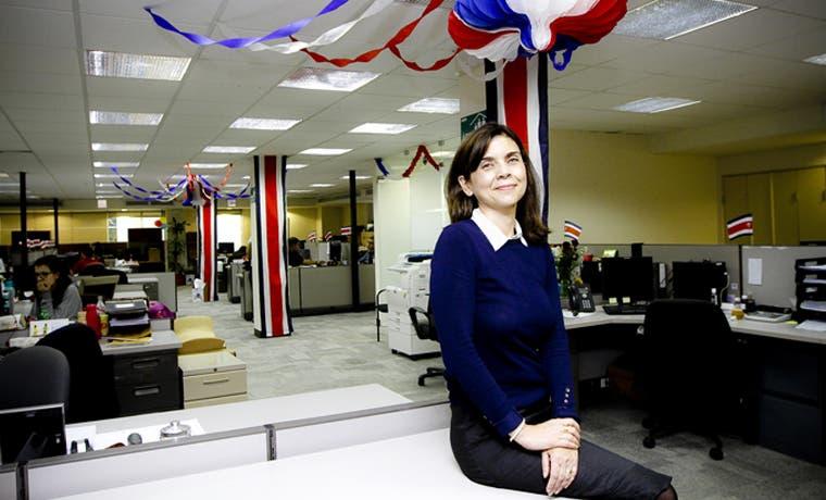 Empresas se visten de blanco, azul y rojo