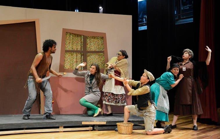 Tres fisgonas llenarán de chismes el Teatro Nacional