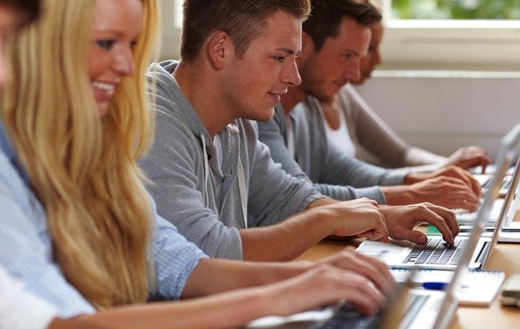 Algunas clases gratuitas en línea pueden ayudar con su carrera
