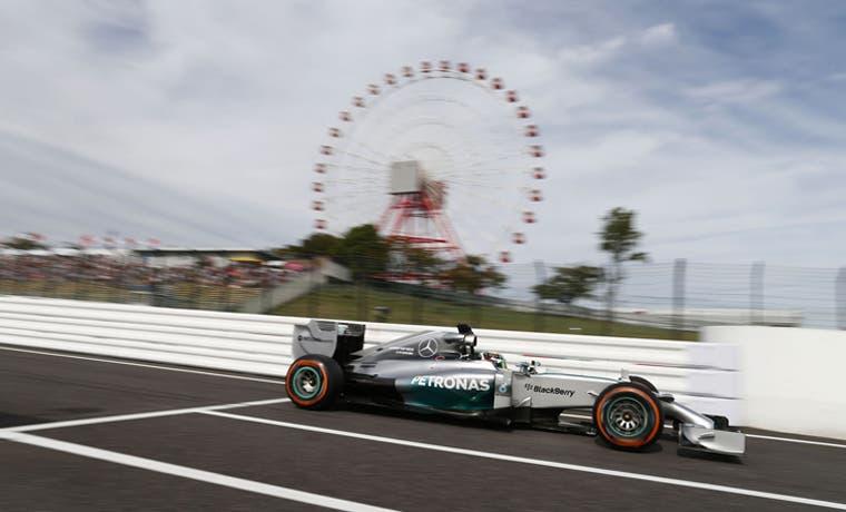 Hamilton llega herido a Japón