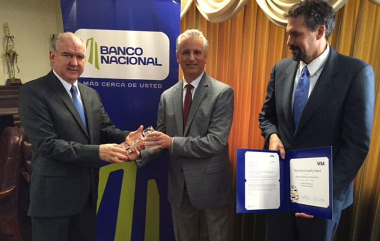 Banco Nacional recibe premio Internacional de Visa