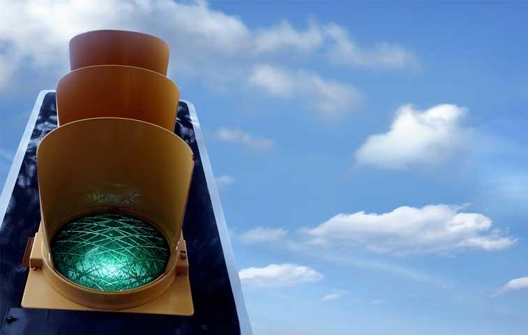 Semáforos en San José funcionarán con energía solar