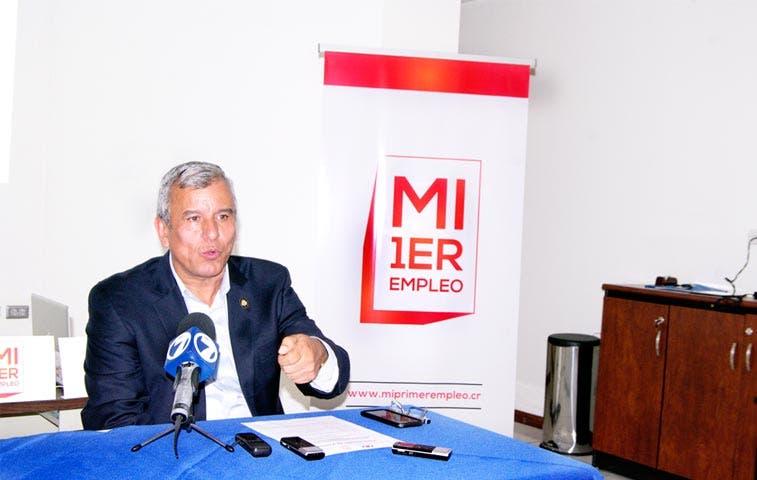 """Primeras 14 empresas inscritas en """"Mi Primer Empleo"""""""