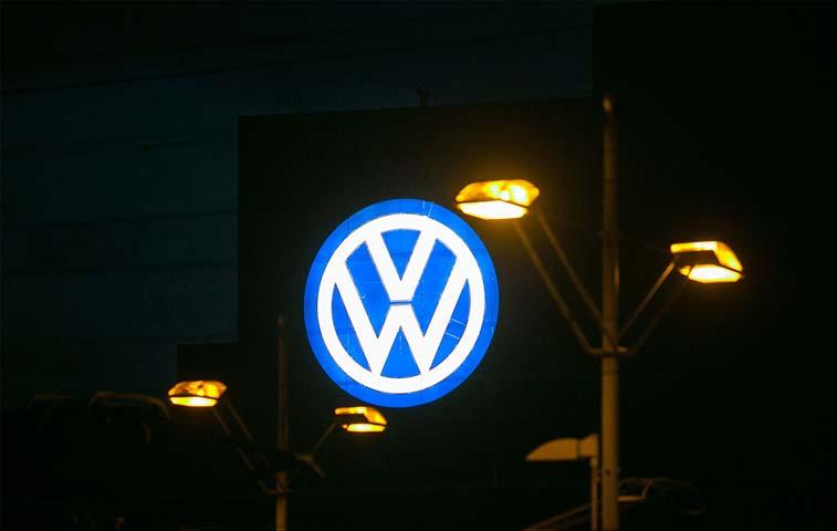 Alemania analiza pago de indemnizaciones de Volkswagen a consumidores