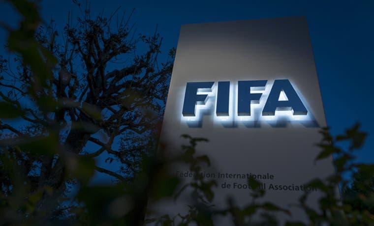 Escándalos no dan respiro a la FIFA
