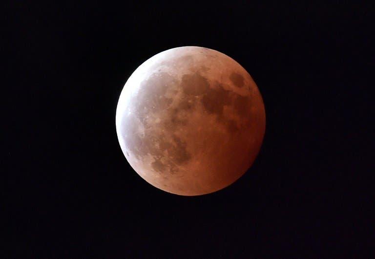 Podremos ver un eclipe lunar este domingo