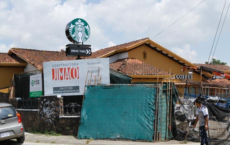 Starbucks construye nuevo local en Los Yoses