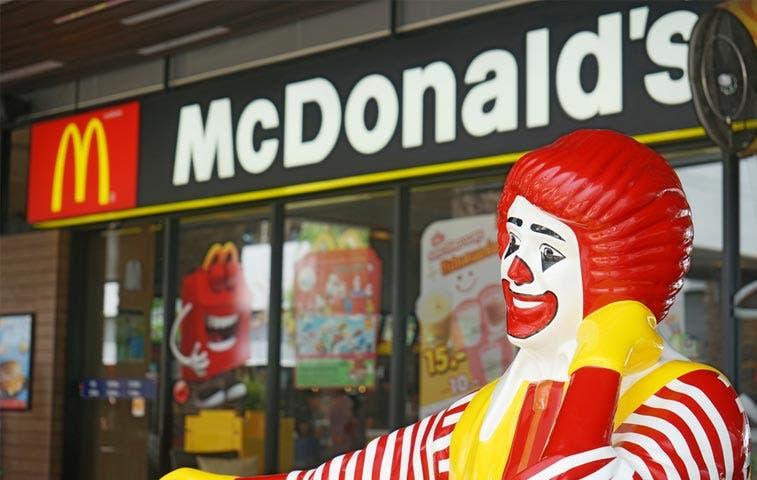McDonald's reformula programa de hamburguesas para atraer clientes