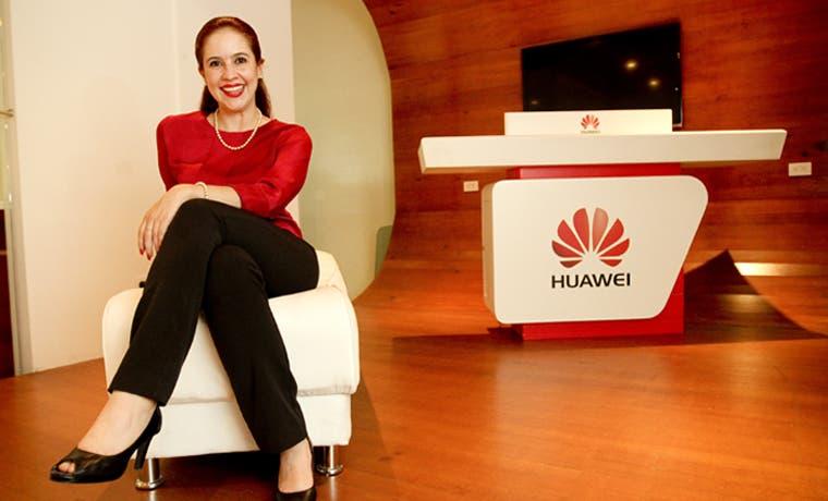 Andrea Corrales hace historia en Huawei
