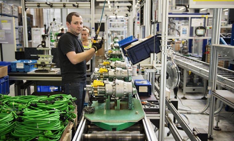 Producción industrial alemana cae ante nuevos riesgos