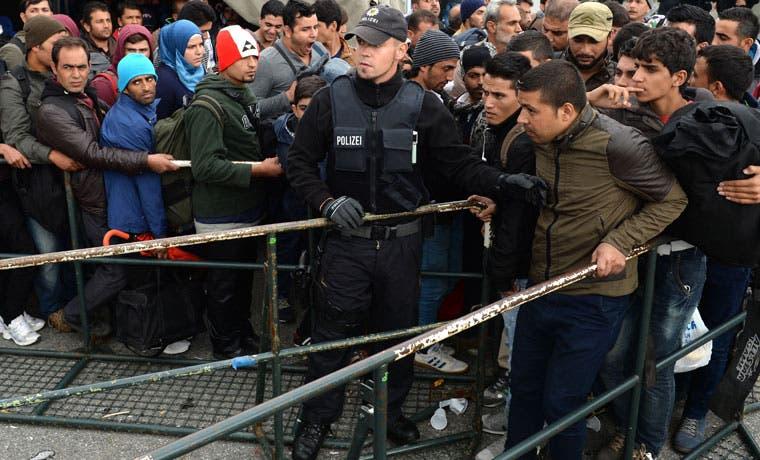 Gobiernos europeos analizan planes para deportar refugiados